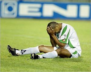 الجزائريين استعدوا لـ مونديال 2010 من انجولا