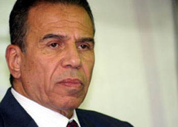 من يطلق النار على محافظ القاهرة؟