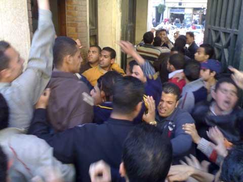 مصرع تلميذ قرية البرنوجي دمنهور وإصابة والده وشقيقه في خناقة