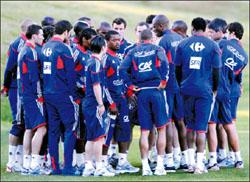 قبل مباراة فرنسا وجنوب افريقيا اعلان العصيان الفرنسي تضامنا مع انيلكا