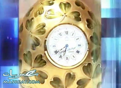صورة بيضة على شكل ساعة صممها بيتر كارل فابرجيه