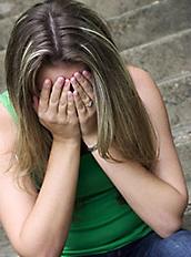 النصاب الوسيم احتال على 40 فتاة بالإنترنت