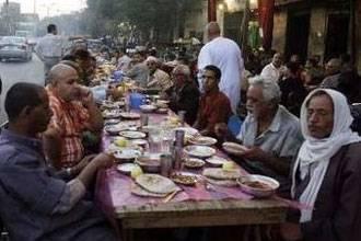 الشرطة المصرية تلاحق المفطرين في نهار رمضان بالدفع او الحبس