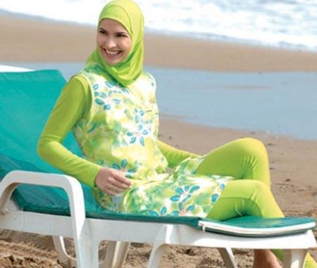 الشيوخ مختلفين حول شكل المايوه الشرعي والحجاب الامريكي والاسباني موضة رمضان