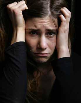ما هي اسباب الاكتئاب والقلق لدى البنات المراهقات