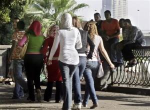 بنات مصريات على كورنيش النيل