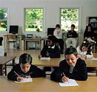 تأجيل الدارسة في المدارس الاجنبية بسبب انفلونزا الخنازير