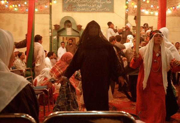 المرأة المصرية على طريق الدروشة