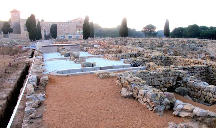 graveta-saulc3b3-parc-ruines-empc3baries