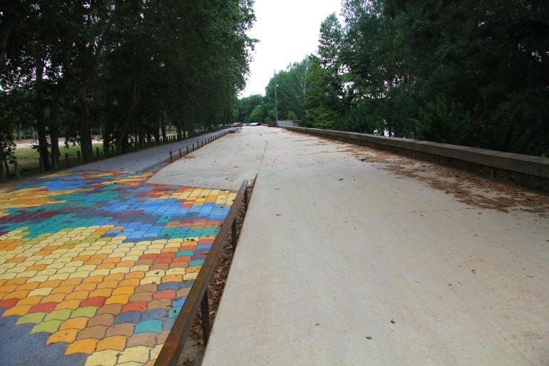 Pla de Xoc de la Devesa de Girona - Obra Massachs - paviment SAULO SOLID