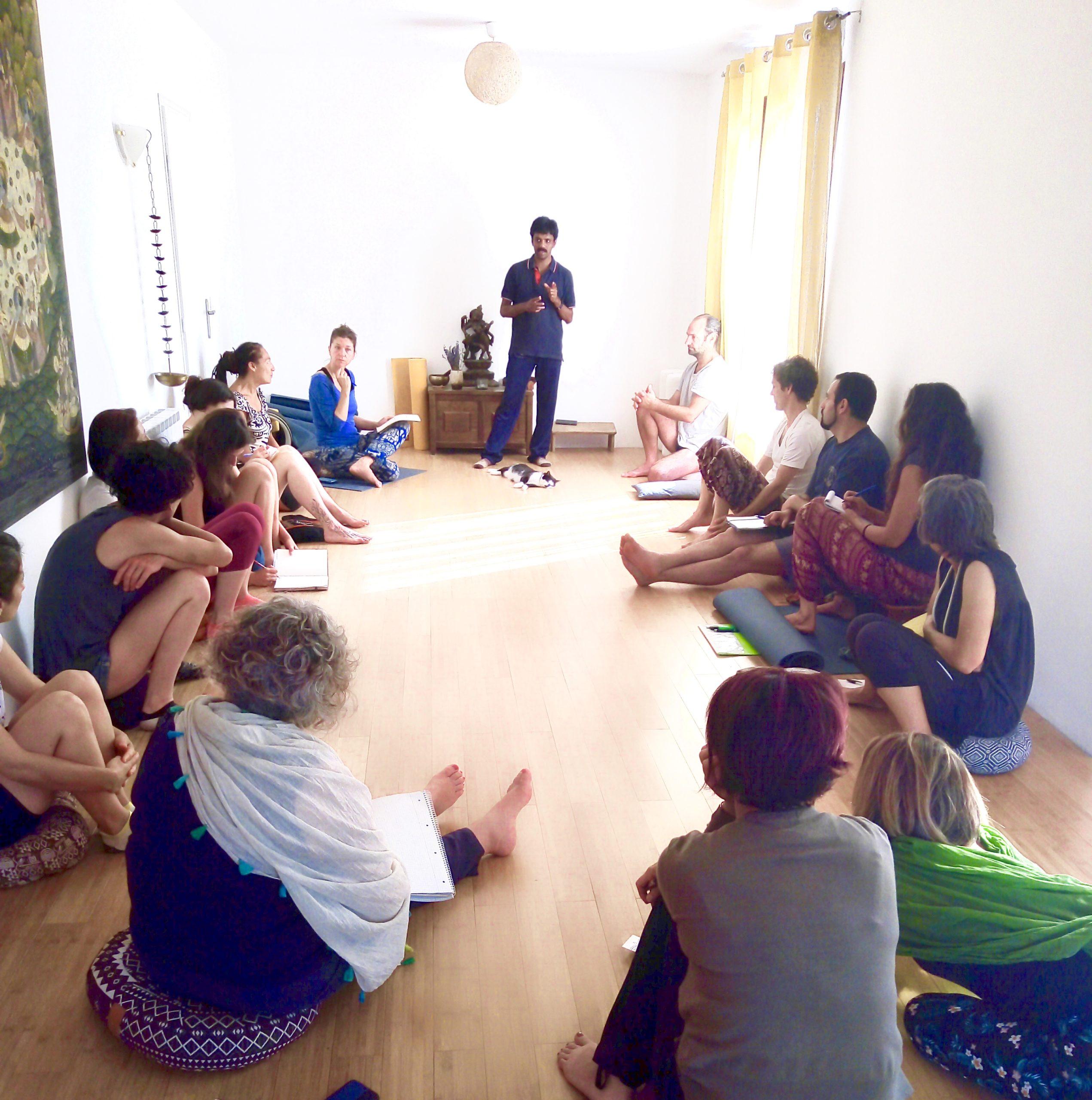 Salle de conférence et Yoga - Bibliothèque