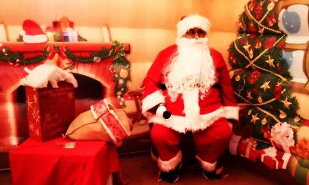 La casa di Babbo Natale a Massa centro