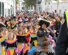 Los colegios del municipio de Tías se llenan de ritmos, color y carnaval