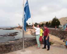 La Playa del Jablillo de Costa Teguise luce ya Bandera Azul