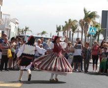 Arrecife se llena de folclore y tradición