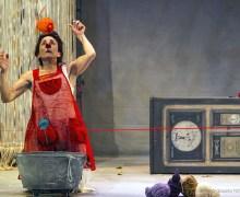 La compañía La Rous Teatro trae a Lanzarote Hilos, la obra ganadora del Premio Nacional de Artes Escénicas para la Infancia y la Juventud en 2011