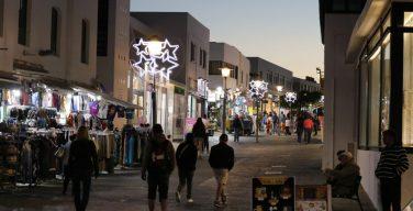 La Navidad ilumina ya las noches de Yaiza