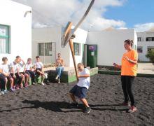 El Cabildo de Lanzarote divulga los deportes y juegos autóctonos entre el alumnado de los centros de enseñanza de la isla