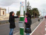El Cabildo de Lanzarote mejora nuevamente el servicio de transporte regular interurbano de viajeros con la instalación de más de 200 tótems y paneles informativos en las paradas de guaguas