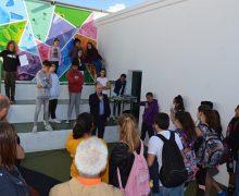 El Colegio de Puerto del Carmen estrena un nuevo 'rincón lector' aportado por el Ayuntamiento de Tías