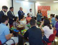 Pedro Ortega visitó ayer a los jóvenes del Programa de Cualificación y Empleo de la Cámara de Lanzarote
