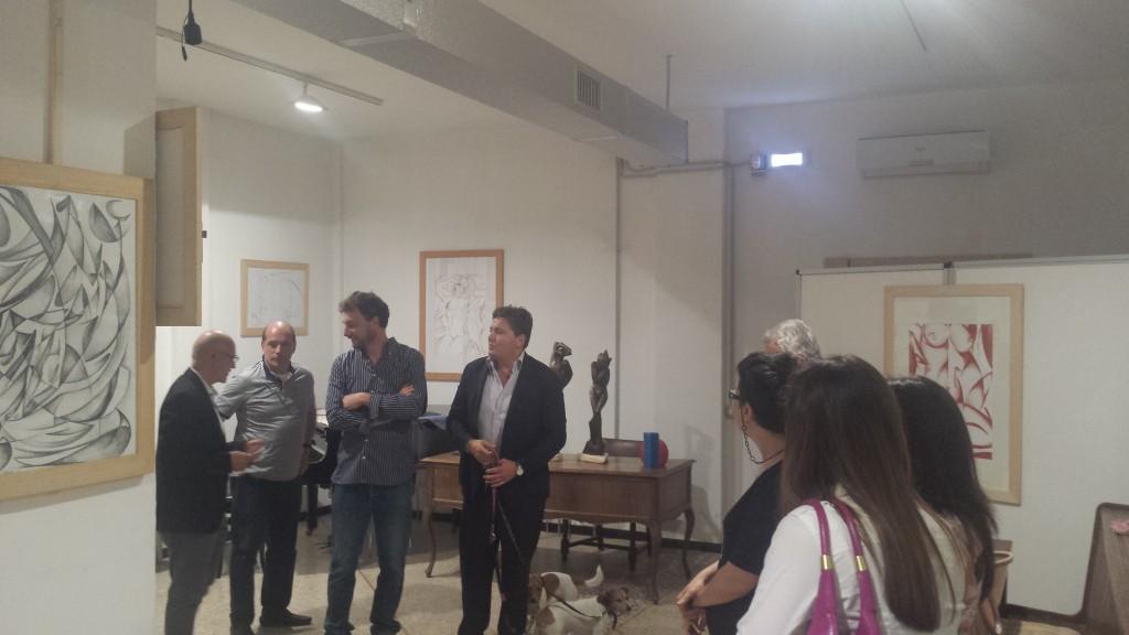 In piedi, in evidenza da destra, Massimo Lucidi, Michelangelo Toffetti, Marco Serra Tarantola, editore, Aldo Bertolini