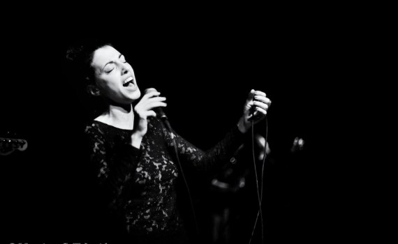 Gigs photography in Milano. Here the Italian singer Sarah Stride.