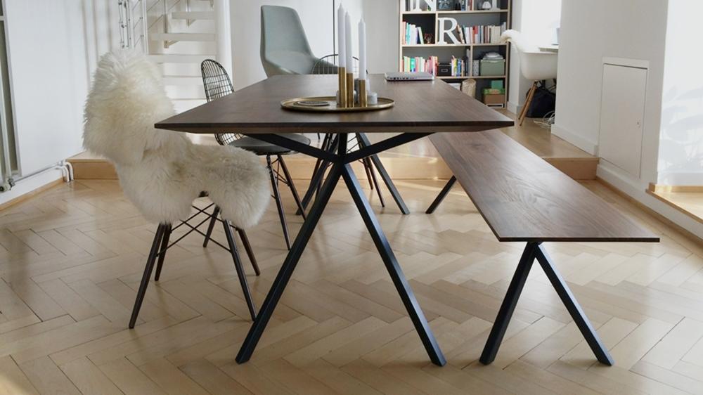 Elegantes Design  Massivholz Esstisch  MassivholzDesign