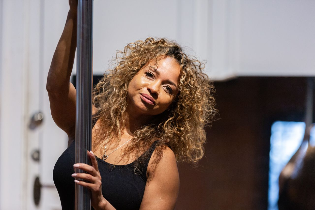 'You really can hold yourself up': Soul Pole brings pole-dance fitness to historic Monkey Wrench building in - MassLive.com