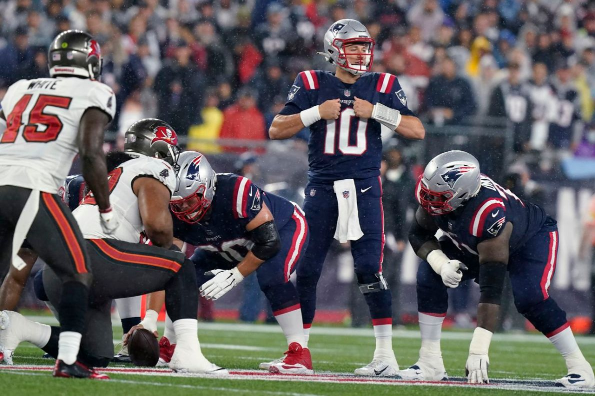 Mac Jones outplays Tom Brady as Patriots fall to Buccaneers in instant  classic (5 up, 5 down) - masslive.com