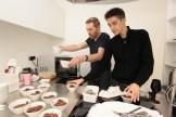 Le chef s'affaire en cuisine