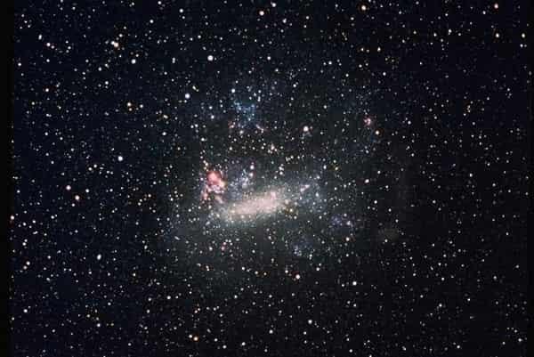 Pengamatan Jarak Galaksi Large Magellanic Cloud Dari Bumi
