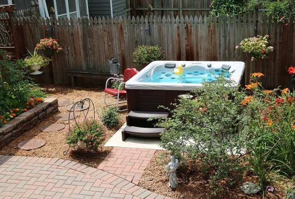 backyard ideas hot tubs