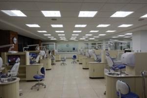 グアテマラ フランシスコマロキン大学 治療室
