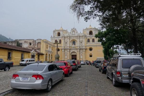 グアテマラ アンティグアにあるラ・メルセー寺院 世界文化遺産