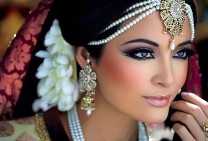 classes - best bridal makeup and hair artist - makeup and