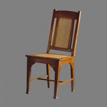 chaise ancienne de style colonial