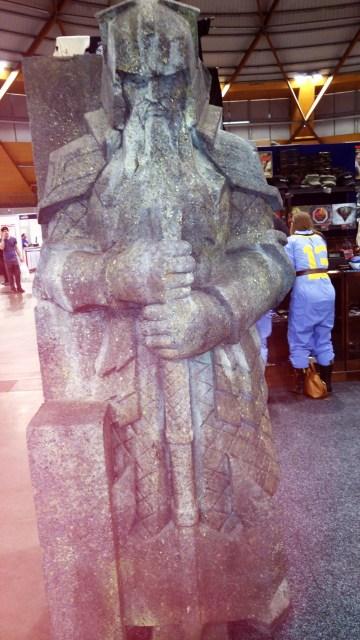 eb-weta-statue