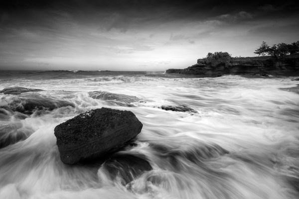 Bali-black-and-white-coast 0