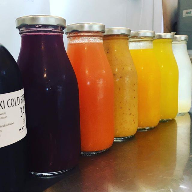 Joser, lemonad och cold brew i  alla färger. Kom in till oss på Järntorget, köp en dryck och gissa hur många växter vi har för chansen att vinna just en växt!--Tävlingen pågår till tisdagen den artonde juli och är endast på vår Popup på Järntorgsgatan.