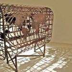 Esculturas em sucata de metal que parecem filigranas de renda