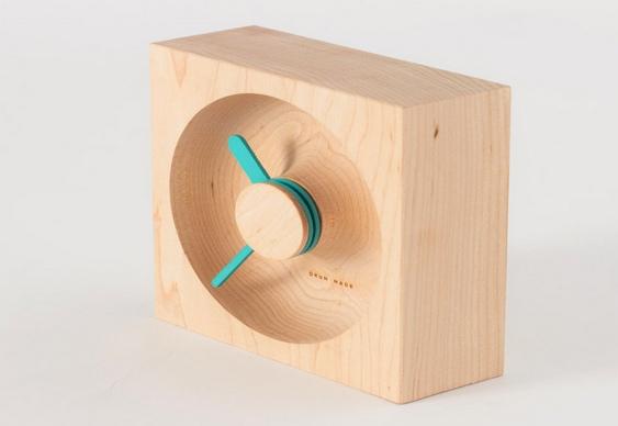 Relógio de cabeceira