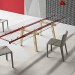 Cavalete regulável de oficina mecânica inspira mesa para designers