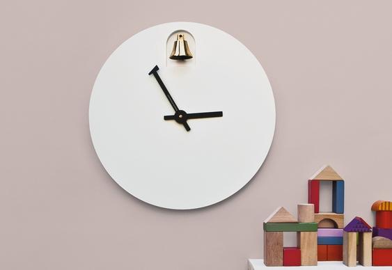 Relógio de parede tipo cuco