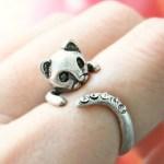 Anéis de gato e rato… para usar em dedos diferentes, naturalmente