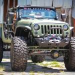 Conversão radical de Jeep Wrangler em picape off-road irada