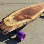 Pranchas de skate feitas com lascas de troncos de árvores