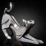 Arte japonesa do origami inspira esculturas de gatos em prata