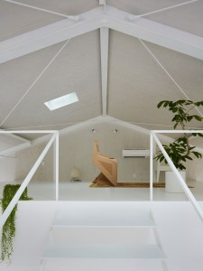 attic-room-with-chair