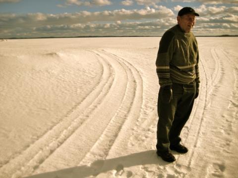 Pentti Linkola on the lake where he uses to fishing